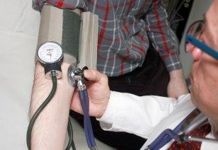 Kuna ükski perearst ei soovi doktor Läti asemele asuda, soovitab terviseamet dr Läti patsientidel otsida endale uus perearst