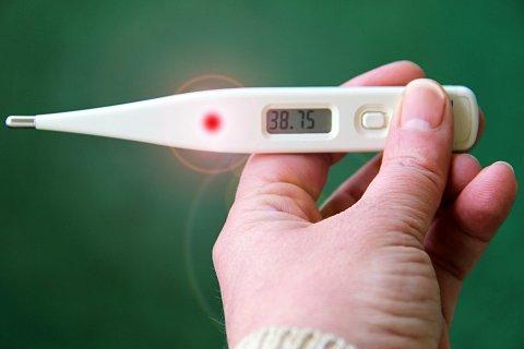 51. nädalal (19-25.12.2016) pöördus ülemiste hingamisteede viirusnakkuste tõttu arstide poole 3001 haigestunut, neist 50,2 protsenti olid lapsed.